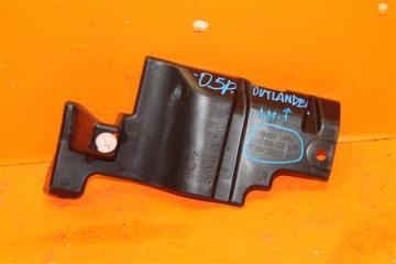 Запчасть кронштейн решетки радиатора левый Mitsubishi Outlander 2012-н.в.