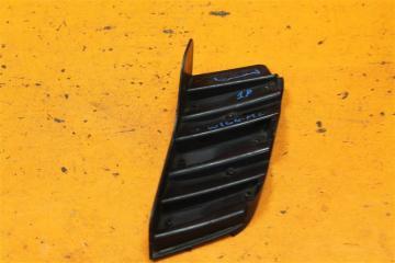 Запчасть кронштейн решетки радиатора правый Mercedes ML 2005-2008