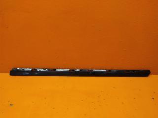 Запчасть молдинг двери передний правый Volkswagen Passat 2014-нв