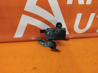 Запчасть петля крышки багажника Nissan Almera 2012-2018