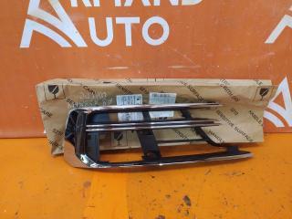 Запчасть решетка бампера передняя правая Audi A8 2017-нв