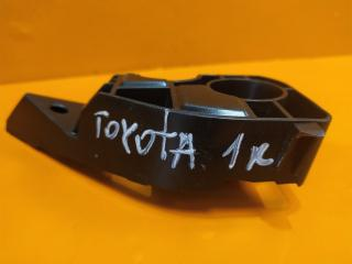 Запчасть кронштейн накладки двери багажника Toyota Rav4 2012-нв