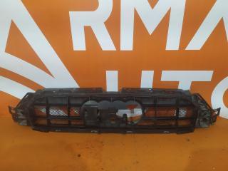 Запчасть кронштейн решетки радиатора Audi A6 Allroad 2012-нв