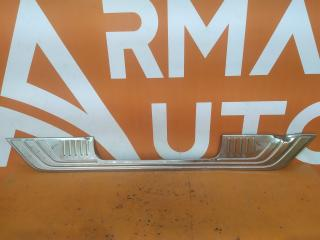 Запчасть накладка кожуха замка двери багажника Mercedes V-Class 2014-нв