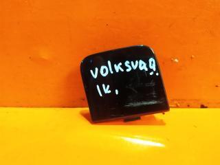 Запчасть заглушка буксировочного крюка задняя Volkswagen Passat 2011-2015