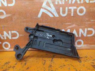 Запчасть подставка аккумулятора Volkswagen Golf 2012-нв