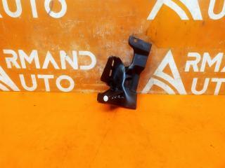 Запчасть кронштейн решетки радиатора передний правый Mitsubishi Outlander 2012-нв