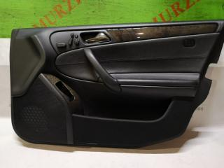 Обшивка двери передняя правая MERCEDES C-CLASS 2005