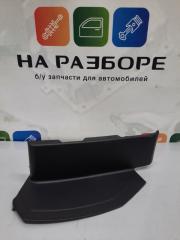 Запчасть накладка на фонарь задняя левая INFINITI QX56 2012