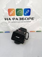 Запчасть дефлектор на торпедо передний правый Volkswagen Touareg 2012