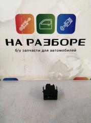 Запчасть кнопка корректора фар Skoda Rapid 2017