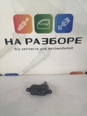 Запчасть активатор лючка бензобака Skoda Rapid 2017
