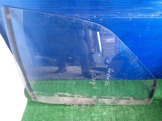 Запчасть стекло двери переднее правое Audi 100 1987