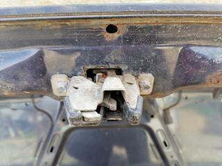 Запчасть замок крышки багажника Volvo 460 1994