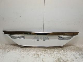 Запчасть накладка крышки багажника задняя Toyota Alphard 2010-2014