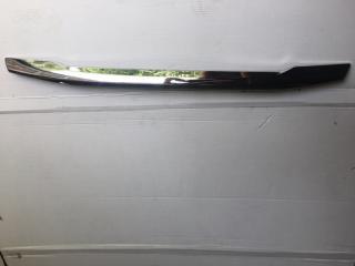 Запчасть накладка крышки багажника задняя Mitsubishi Outlander