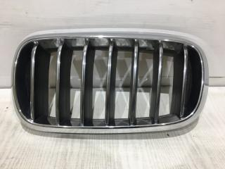 Запчасть решетка радиатора передняя левая BMW X5