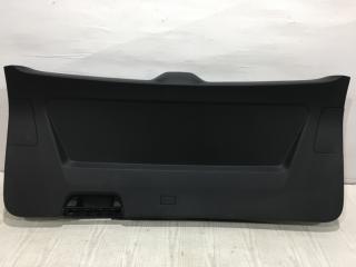 Запчасть обшивка двери багажника задняя Volkswagen Teramont 2018-