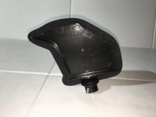 Запчасть пыльник радиатора правый Toyota Rav4 2013-