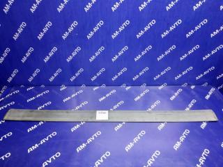 Запчасть накладка двери передняя правая ISUZU BIGHORN 1998