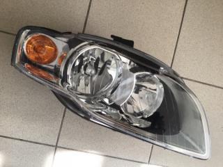 Запчасть фара передняя правая Audi A4 2004-2008
