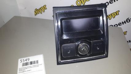 Запчасть центральный консоль с часами (блок кнопок обогрева сидений ) Skoda SUPERB 2008-2013