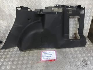 Запчасть обшивка багажника правая Renault Duster 2012
