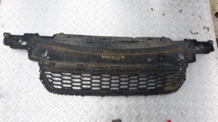 Запчасть решетка нижняя в бампер Honda Accord 2013-2015