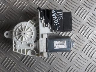 Запчасть мотор стеклоподъемника задний правый Volkswagen Tiguan 2008-2016