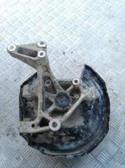 Запчасть кулак поворотный задний правый Volkswagen Passat B6 2005-2010