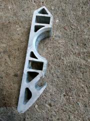 Запчасть кронштейн крепления стабилизатора передний Audi Q7 2013