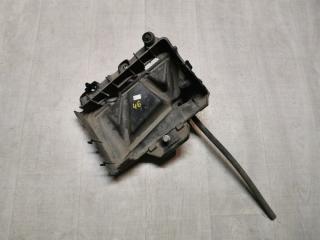 Запчасть площадка корпус аккумулятора акб Skoda Fabia 2012