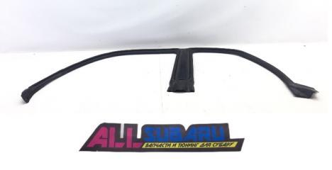 Уплотнительная резинка дверного проема левая SUBARU Impreza WRX 2003-2005