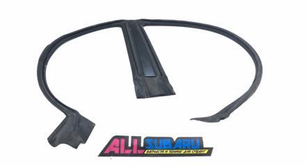 Уплотнительная резинка дверного проема правая Subaru Impreza WRX 2006 - 2007