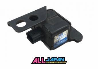 Запчасть датчик air bag правый Toyota Altezza 1998