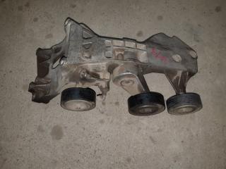 Запчасть кронштейн компрессора кондиционера Mercedes-Benz А160 2012