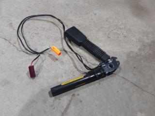 Запчасть преднатяжитель ремня безопасности левый Ford Focus 2 08-11 2008