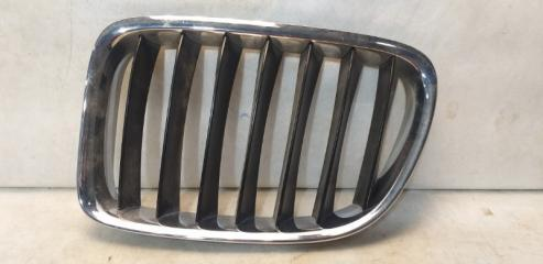 Запчасть решетка радиатора передняя левая BMW X1 2009-2015