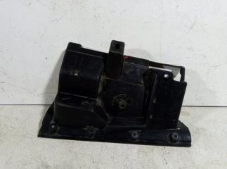 Запчасть накладка (кузов внутри) правая MITSUBISHI LANCER 10