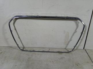 Запчасть накладка на решетку радиатора AUDI A4
