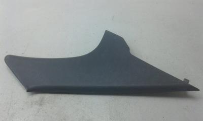 Запчасть накладка задней стойки левая HYUNDAI ELANTRA 3 2000-2009