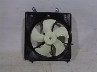 Запчасть диффузор радиатора Honda Fit 2004-2007