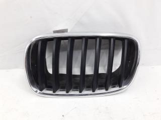 Запчасть решетка радиатора левая BMW X5 2006-2013