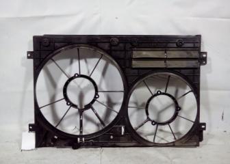 Запчасть диффузор радиатора Skoda Yeti 2009-2018