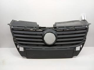 Запчасть решетка радиатора Volkswagen Passat 2005-2010