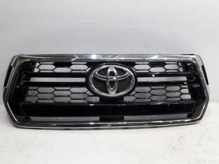 Запчасть решетка радиатора Toyota Hilux 2017-