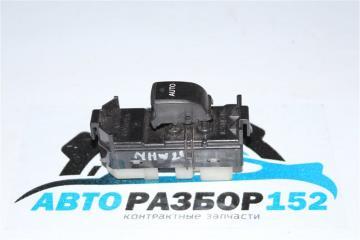 Запчасть кнопка стеклоподъекника задняя левая TOYOTA Prius 2005-2011