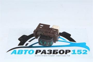 Запчасть кнопка стеклоподъекника передняя левая TOYOTA Mark 2 2000-2004