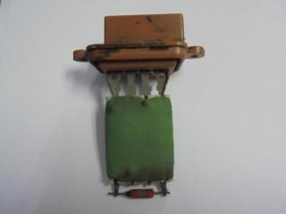Запчасть резистор отопителя Fiat Albea 2008