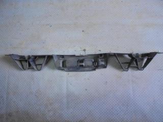 Запчасть кронштейн бампера задний Renault Megane 2004